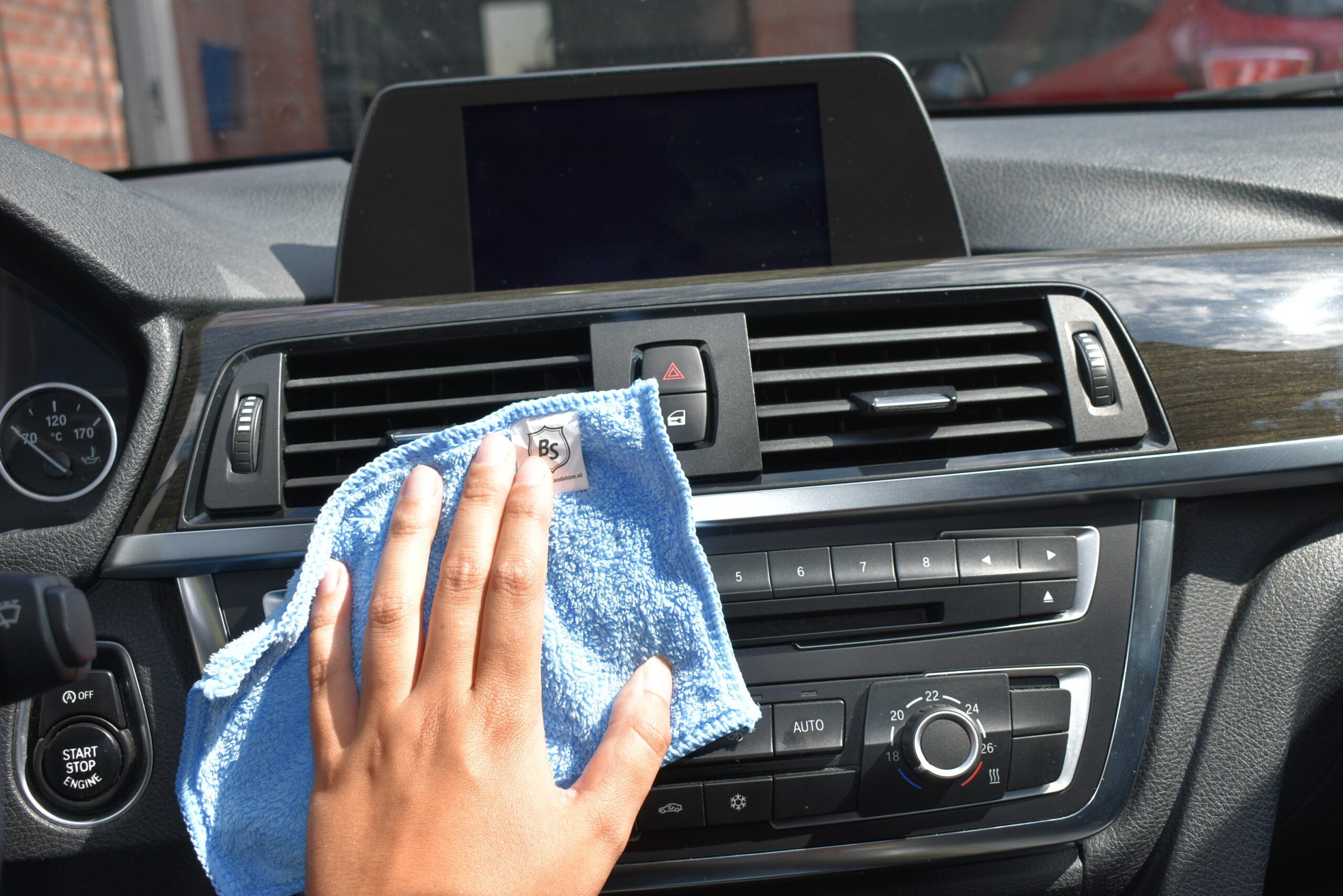 Poets nano doek voor binnen in de auto